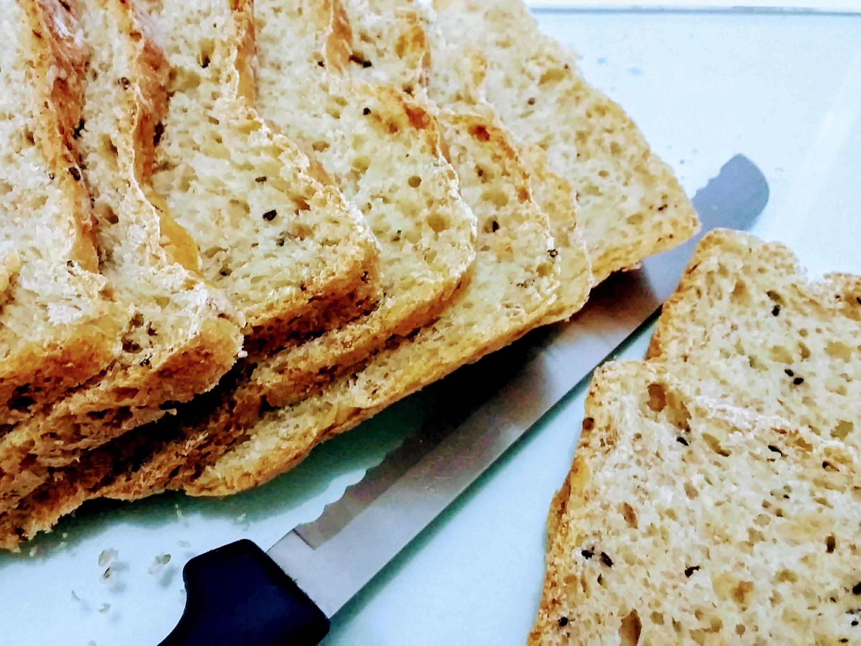 Pão de forma de grãos caseiro